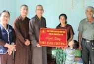 Phân Ban Thiện nguyện Ánh Đạo Bình Dương trao nhà tại Trà Vinh và Bến Tre
