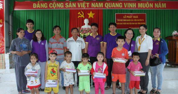 Phân BTN Ánh Đạo Bình Dương phát quà cho bà con tại An Giang