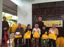 Ban Thiện Nguyện Ánh Đạo tặng quà tại Quảng Trị